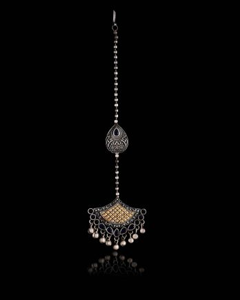Beautiful Dual Tone Maang Tikka with Earrings